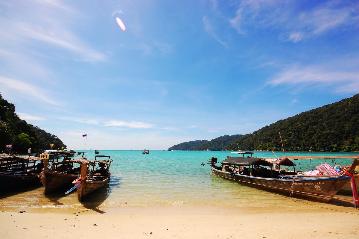 Snorkeling Surin Island  <Speed Boat>  (1 Day)